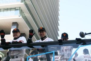 江藤コーチ、大西コーチ、市川捕手