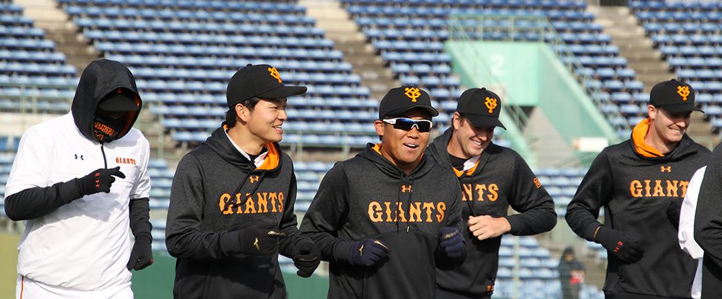 笑顔が可愛い田口君。カミネロは超寒そう。