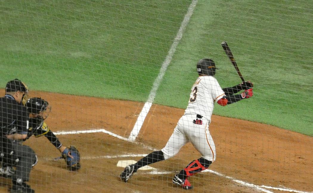 田中俊はプロ初安打を放った