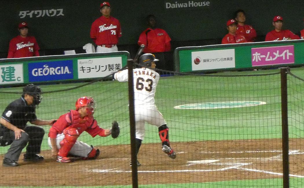 左投手に対して、左打者の田中俊太を代打に送るのはまだ酷だ。スタメン起用してプロの左投手に慣れさせる必要がある