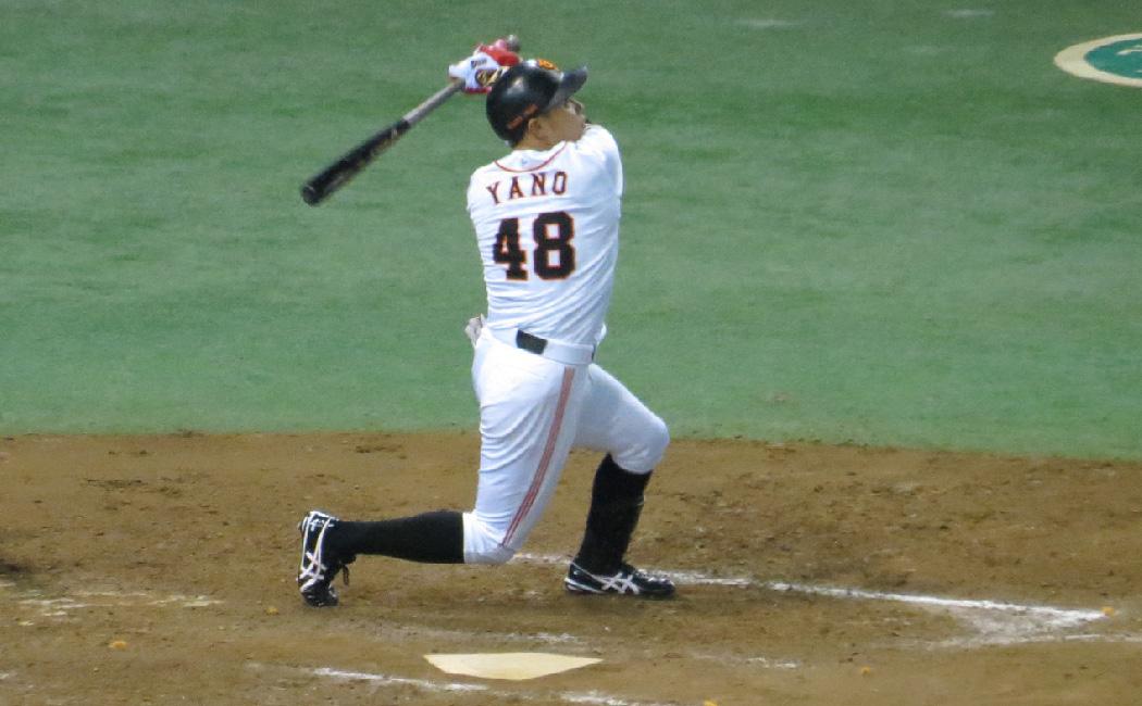 矢野謙次は初球から積極的に打っていくので、盛り上がる応援歌を最後まで歌えないことも多かった。
