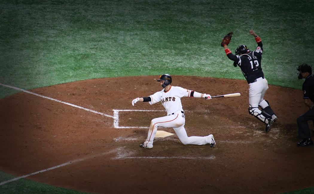 9回裏2アウト1塁で坂本勇人が三振に打ち取られ、2019年の日本シリーズはホークスの4連勝で終わった